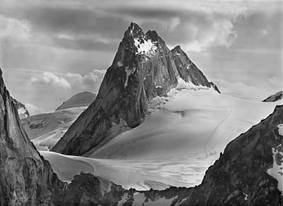 Photograph - 102760-bw-pigeon Spire by Ed  Cooper Photography