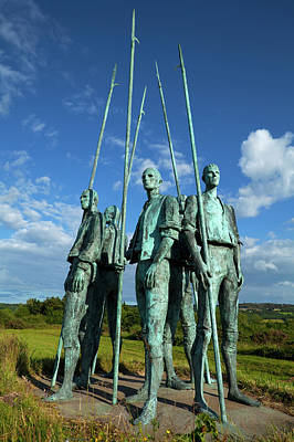 Military Bronze Photograph - Pikemen Sculptures Commemorating by Panoramic Images