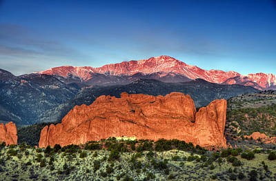 Er Photograph - Pikes Peak And Garden Of The Gods by Ken Smith