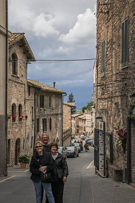 Photograph - Pilgrims In Assisi - May 30 by Dwight Theall