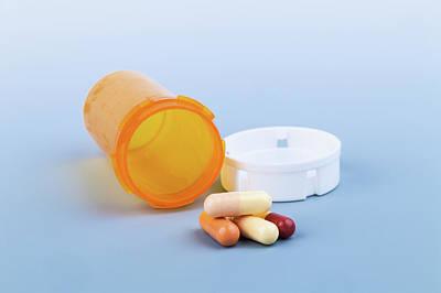 Pill Photograph - Pills And Pill Bottle by Wladimir Bulgar