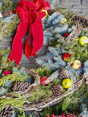 Photograph - Pinecone Wreath by Joan Reese