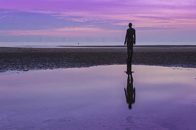 Antony Gormley Photograph - Pink And Purple Sunset At Crosby Beach by Paul Madden