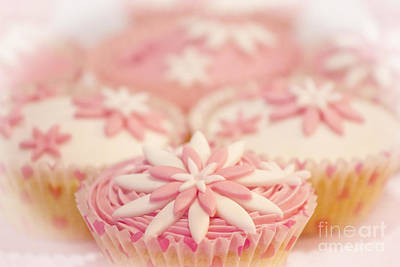 Photograph - Pink And White Cup Cakes by Terri Waters