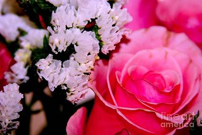Photograph - Pink Rose Bouquet by Margaret Newcomb