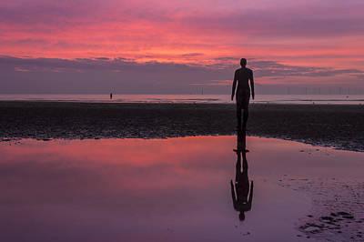 Antony Gormley Photograph - Pink Skies At Crosby Beach by Paul Madden