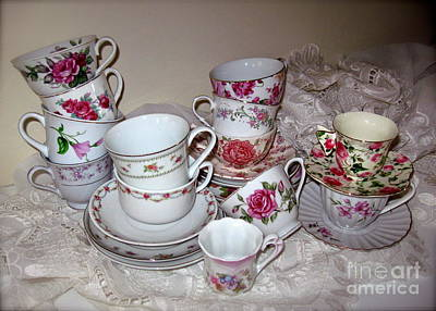 Photograph - Pink Tea Cups  by Nancy Patterson