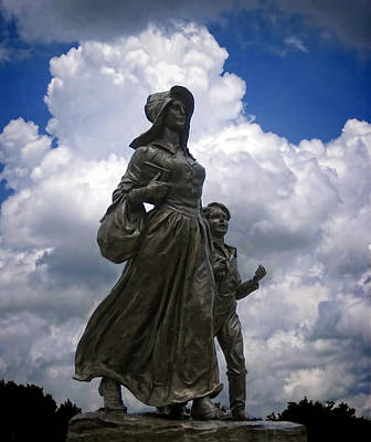 Photograph - Pioneer Woman Statue by Ann Powell