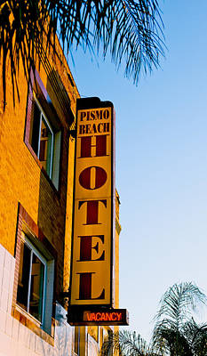 Photograph - Pismo Beach Hotel by David Smith