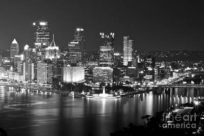 Pittsburgh - Black And White Art Print