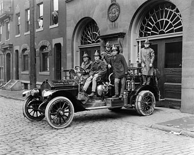 Young Man Photograph - Pittsburgh Fire Truck by Underwood Archives
