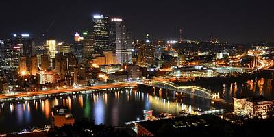Roberto Photograph - Pittsburgh Night Panorama by Frozen in Time Fine Art Photography