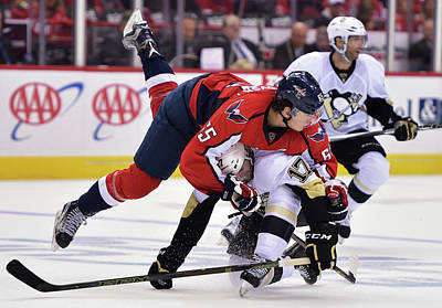 Stanley Cup Playoffs Photograph - Pittsburgh Penguins V Washington by Drew Hallowell