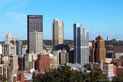 Photograph - Pittsburgh Skyline by Pat McGrath Avery