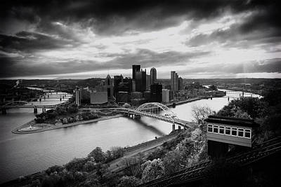 Heinz Field Photograph - Pittsburgh Skyline1 by Emmanuel Panagiotakis