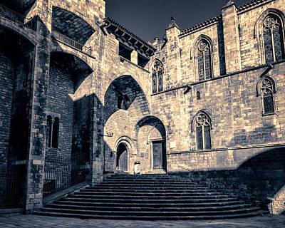 Barcelona Photograph - Placa Del Rei by Joan Carroll