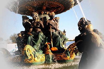 Place De La Concorde Fountain Art Print by Jacqueline M Lewis