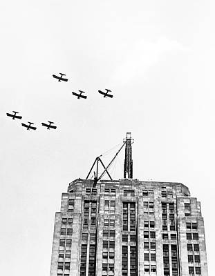 Photograph - Planes Over Lindbergh Beacon by Underwood Archives