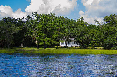 Photograph - Plantation Home by Dale Powell