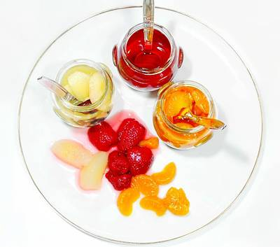 Plate Of Mixed Fruit Print by Diana Angstadt