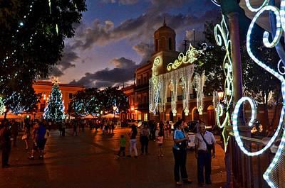 Photograph - Plaza De Armas 4 by Ricardo J Ruiz de Porras