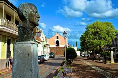 Photograph - Plaza Santo Domingo Bust by Ricardo J Ruiz de Porras