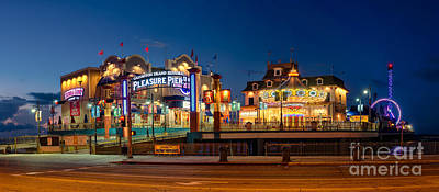 Pleasure Pier Art Print