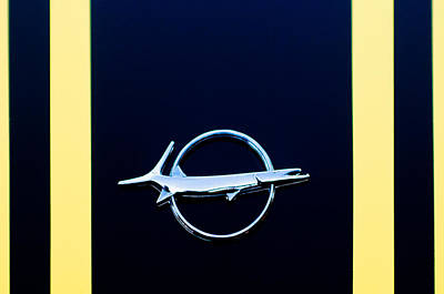 Plymouth Cuda Photograph - Plymouth Barracuda Emblem -0054c by Jill Reger
