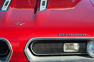 Plymouth Barracuda Photograph - Plymouth Barracuda Grille Emblem by Jill Reger