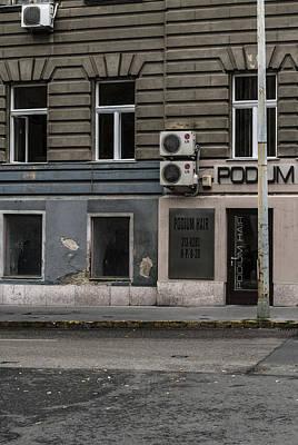 Budapest Sightseeing Tours Photograph - Podum by Sabina Cosic