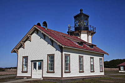 Mendocino Photograph - Point Cabrillo Light Station by Garry Gay