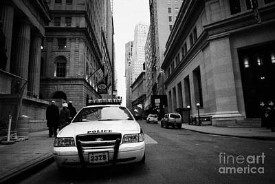 Police Squad Car On Wall Street New York City Art Print