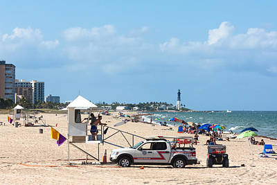 Photograph - Pompano Beach Activity by Ed Gleichman