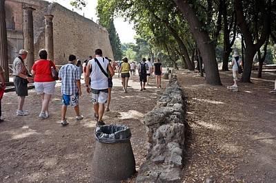 Photograph - Pompei-103 by Rezzan Erguvan-Onal