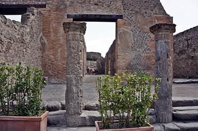 Photograph - Pompei-107 by Rezzan Erguvan-Onal