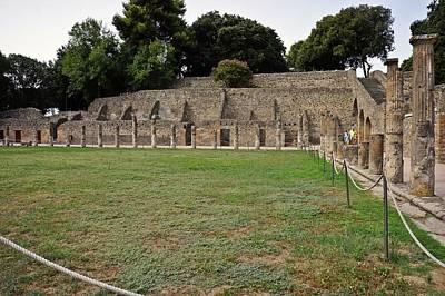 Photograph - Pompei-109 by Rezzan Erguvan-Onal