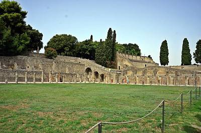 Photograph - Pompei-110 by Rezzan Erguvan-Onal