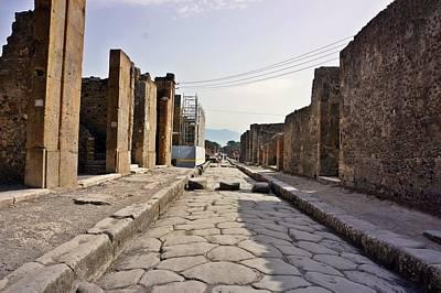 Photograph - Pompei-89 by Rezzan Erguvan-Onal