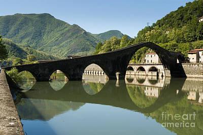 Ponte Della Maddalena  - Ponte Del Diavolo -crosses Serchio Rive Art Print by Peter Noyce