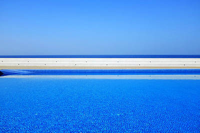 Photograph - Pool Overlooking The Sea by Fabrizio Troiani