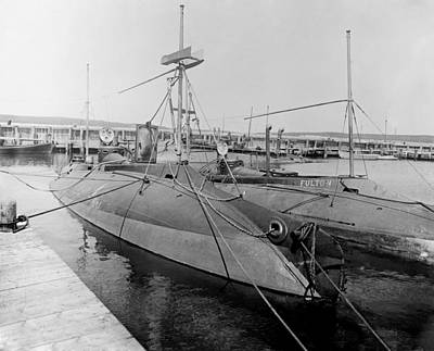 Plunger Photograph - Porpoise And Fulton Submarines, 1900s by Science Photo Library