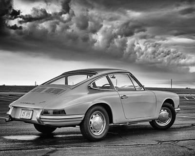 912 Photograph - Porsche 912 by Giovanni Arroyo