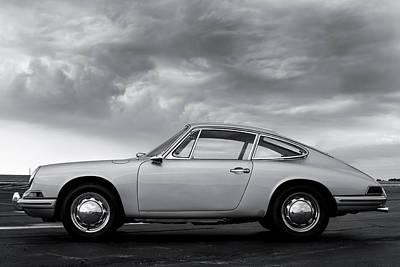 912 Photograph - Porsche 912 Profile by Giovanni Arroyo