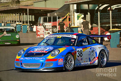 Porsche In The Pits Art Print
