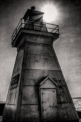 Digital Art - Port Dover Lighthouse by Eduardo Tavares