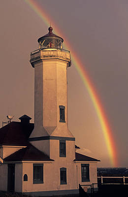 Photograph - Port Townsend Lighthouse With Rainbow by Cliff Wassmann