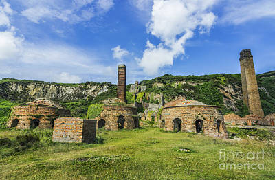 Porth Wen Photograph - Porth Wen Brickworks V2 by Ian Mitchell