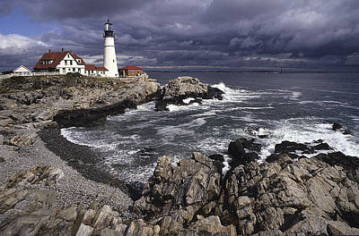 Photograph - Portland Headlight by Doug Davidson