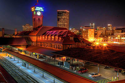 Photograph - Portland Union Railroad Station by Thom Zehrfeld
