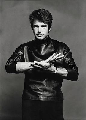 Gestures Photograph - Portrait Of Warren Beatty by Jack Robinson